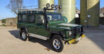 Land Rover Defender 110 County Station Wagon 300 TDi Graham Green #358 1