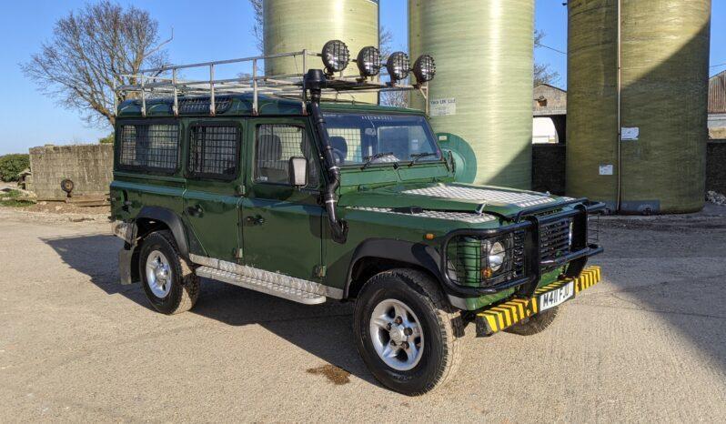 Land Rover Defender 110 County Station Wagon 300 TDi Graham Green #358 1